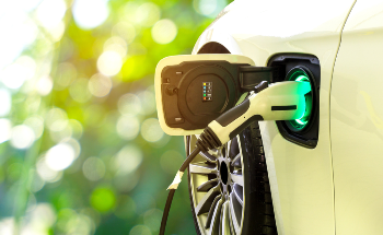 Is Battery Innovation Driving the Transition to Clean Energy?