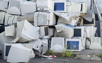 Extracting Gold from E-Waste
