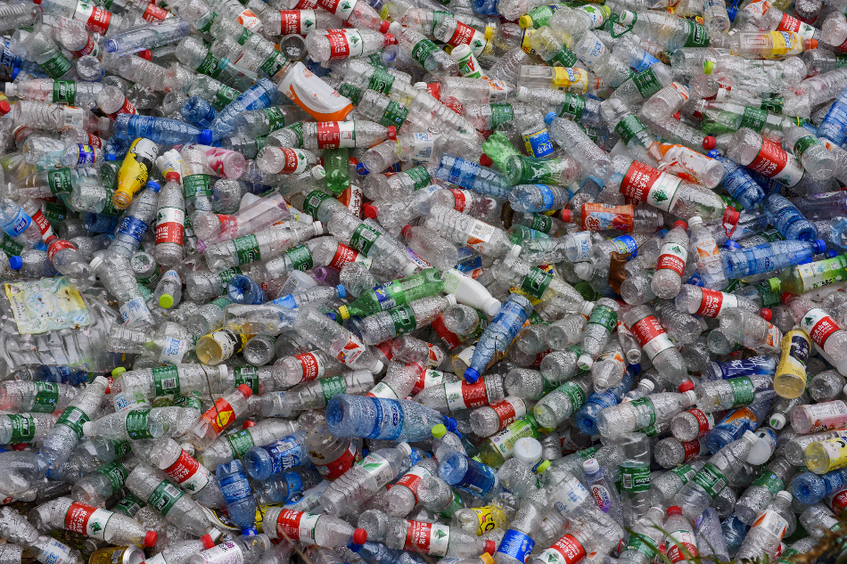China's Vow to Phase Out Single-use Plastics