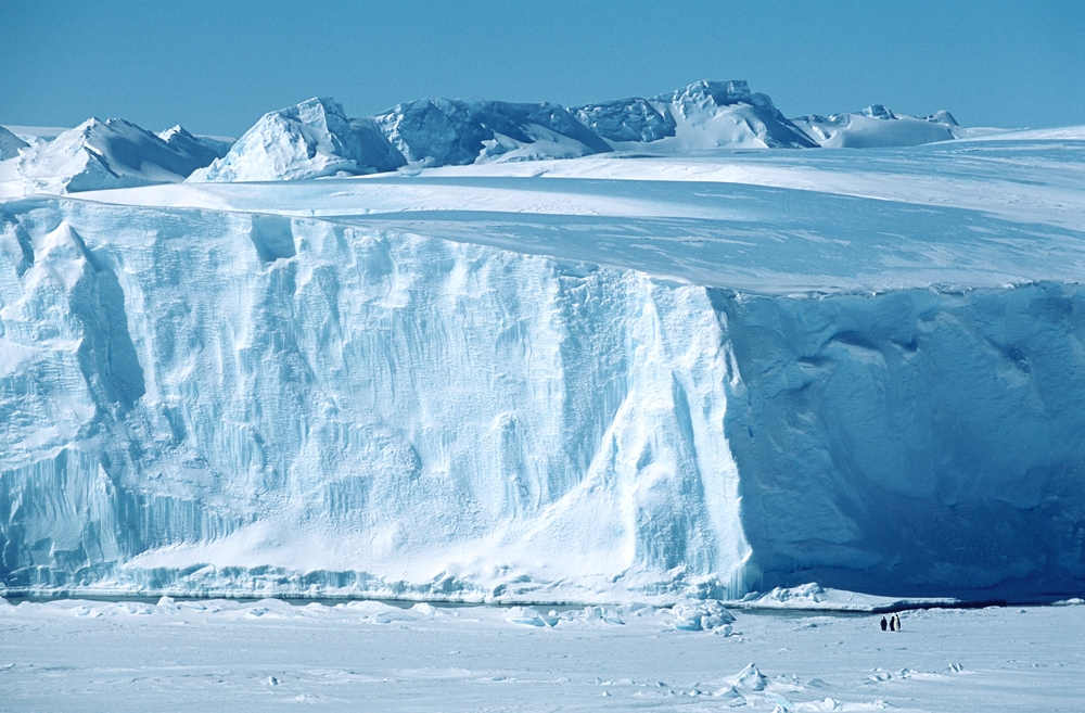 Study Shows Antarctic Ice Loss Will Persist Even Under Controlled Climate Change