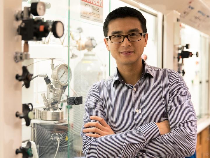 UH Chemist Aims to Create Environmentally Friendly Plastics