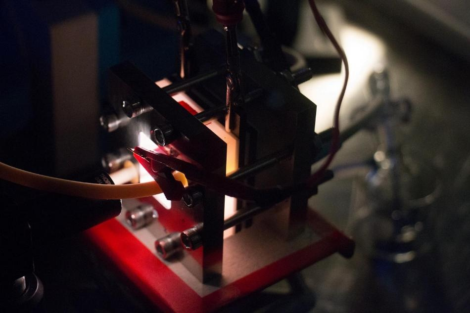 New Solar Flow Battery Could Help Transcend the Limitations of Electrical Grid