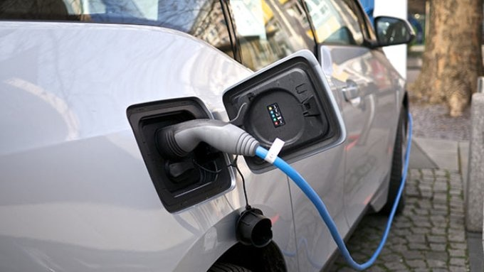 Researchers Offer Evidence of the Positive Impact of Electric Vehicle Adoption on the Environment