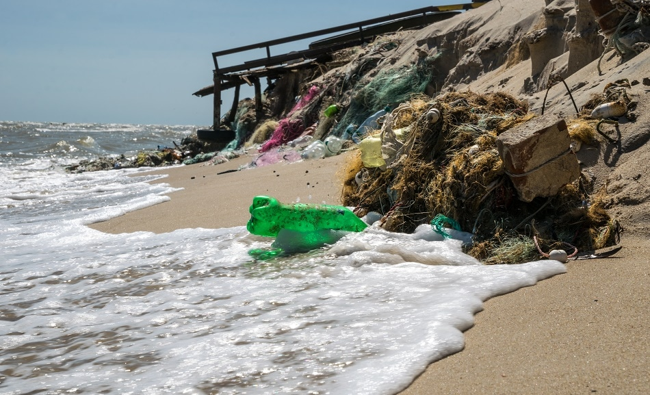 California Considering Strictest Plastic Pollution Laws in the US