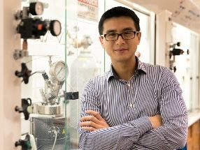 UH Chemist Aims to Create Environmentally Friendly Plastics